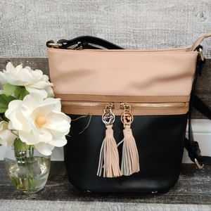 Spartina 449 black & tan leather bucket bag
